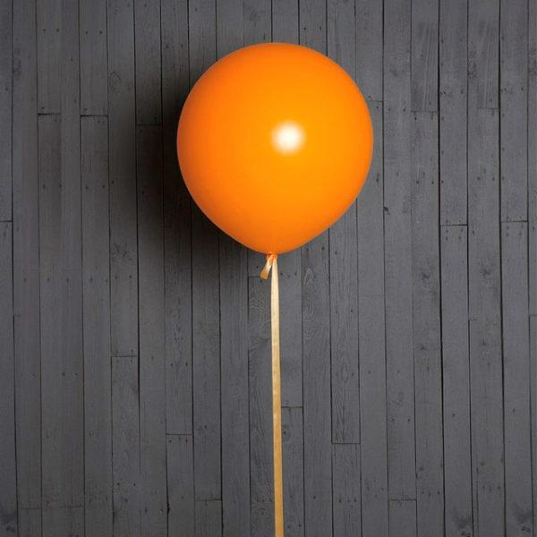 Шар гигант оранжевого цвета