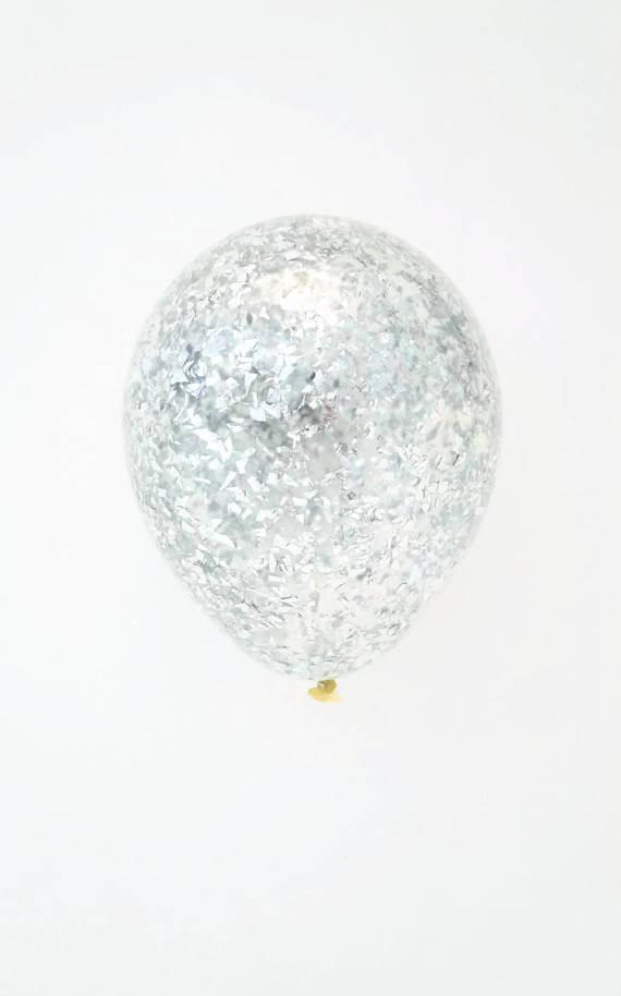 Шар с конфетти «Серебряная стружка»
